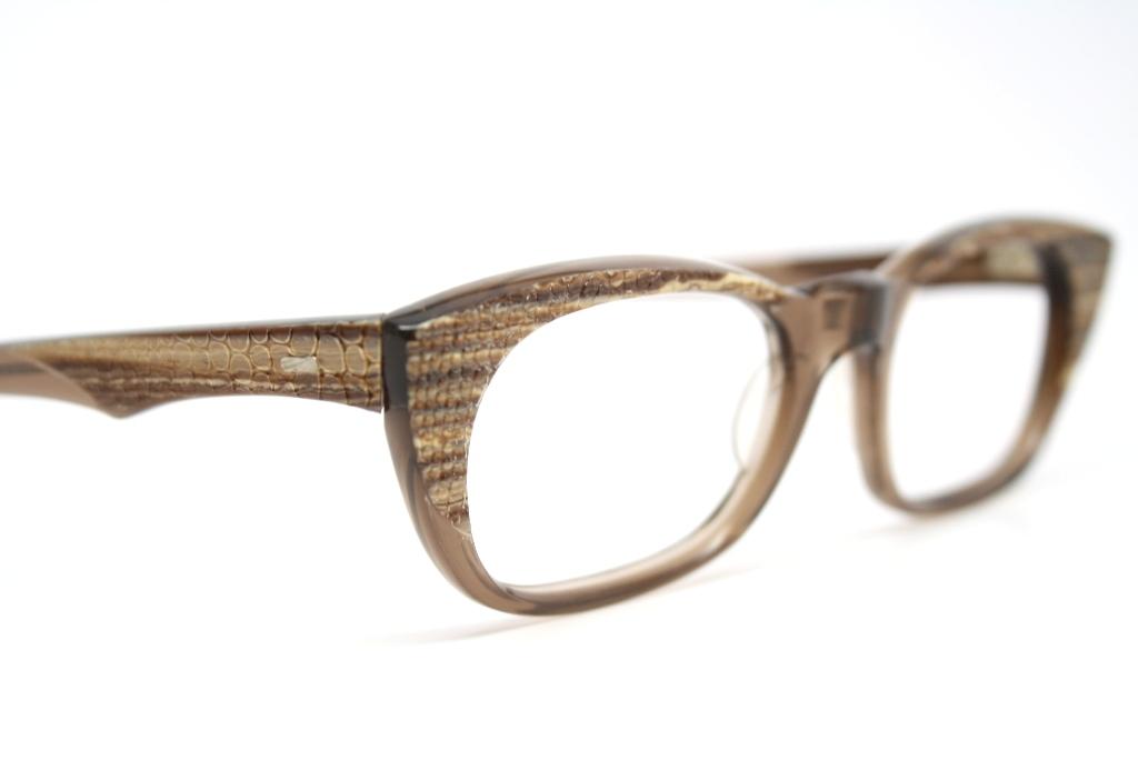 retro cat eye glasses