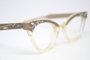 cat eye eyeglasses