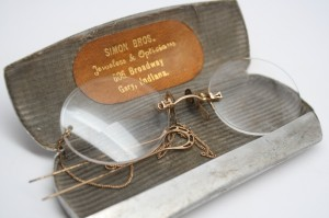 Pince Nez Glasses + Case