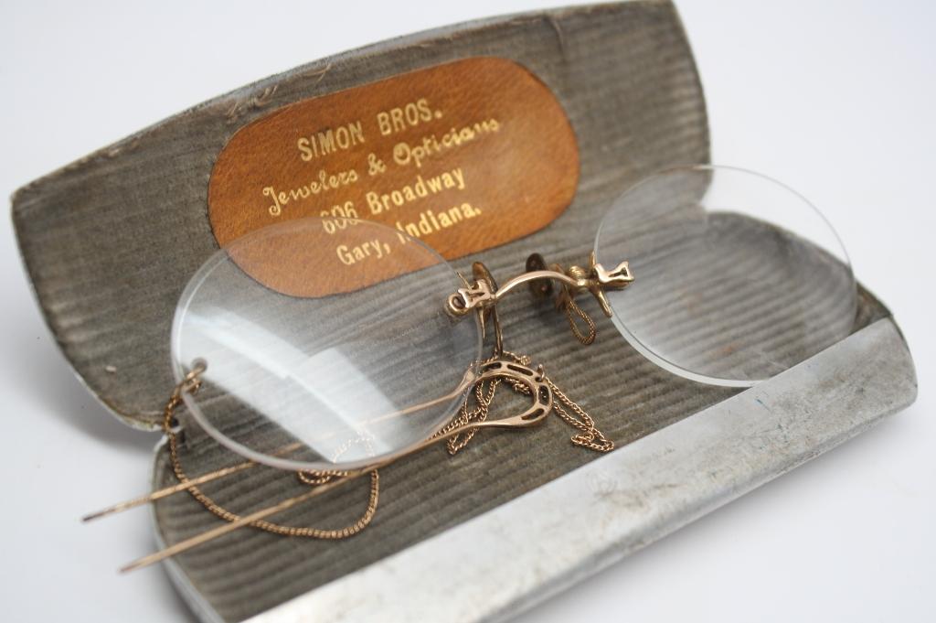 Pince Nez Glasses + Case