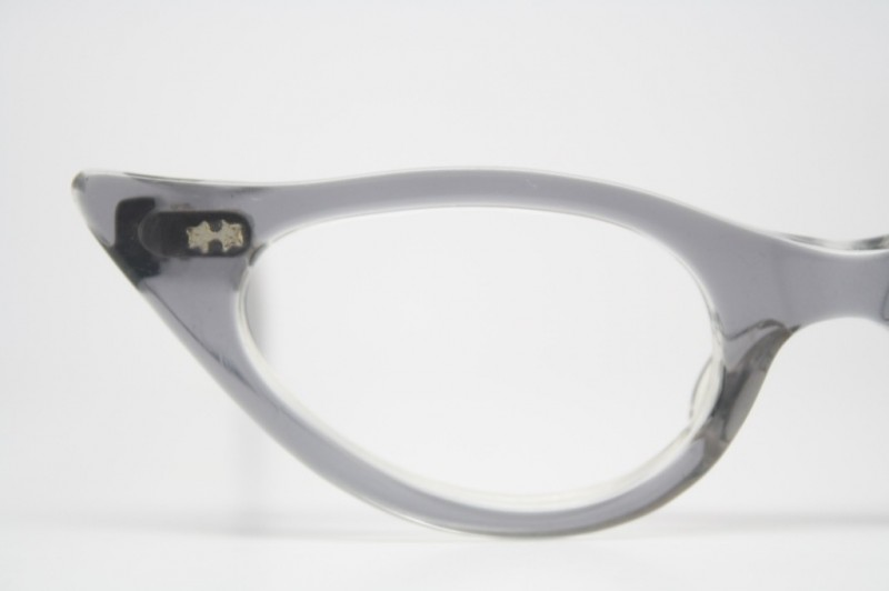 gray pointy cat eye glasses